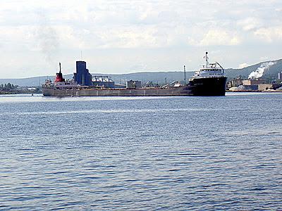 Montrealais turns to starboard around buoy