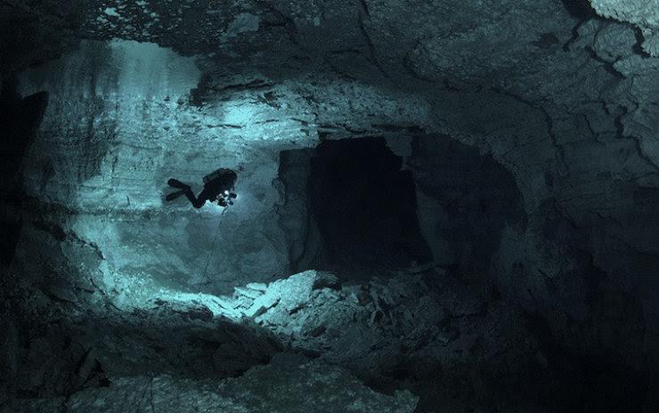 A maior caverna subaquática da Rússia 09