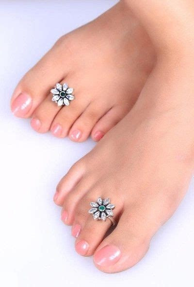 Modern & Antique Designs of Silver and Gold Toe Rings