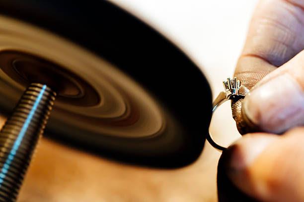 Resultado de imagen para polishing jewelry