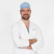 Jason Smith est chirurgien orthopédique en médecine sportive.... (photo tirée de twitter) - image 2.0