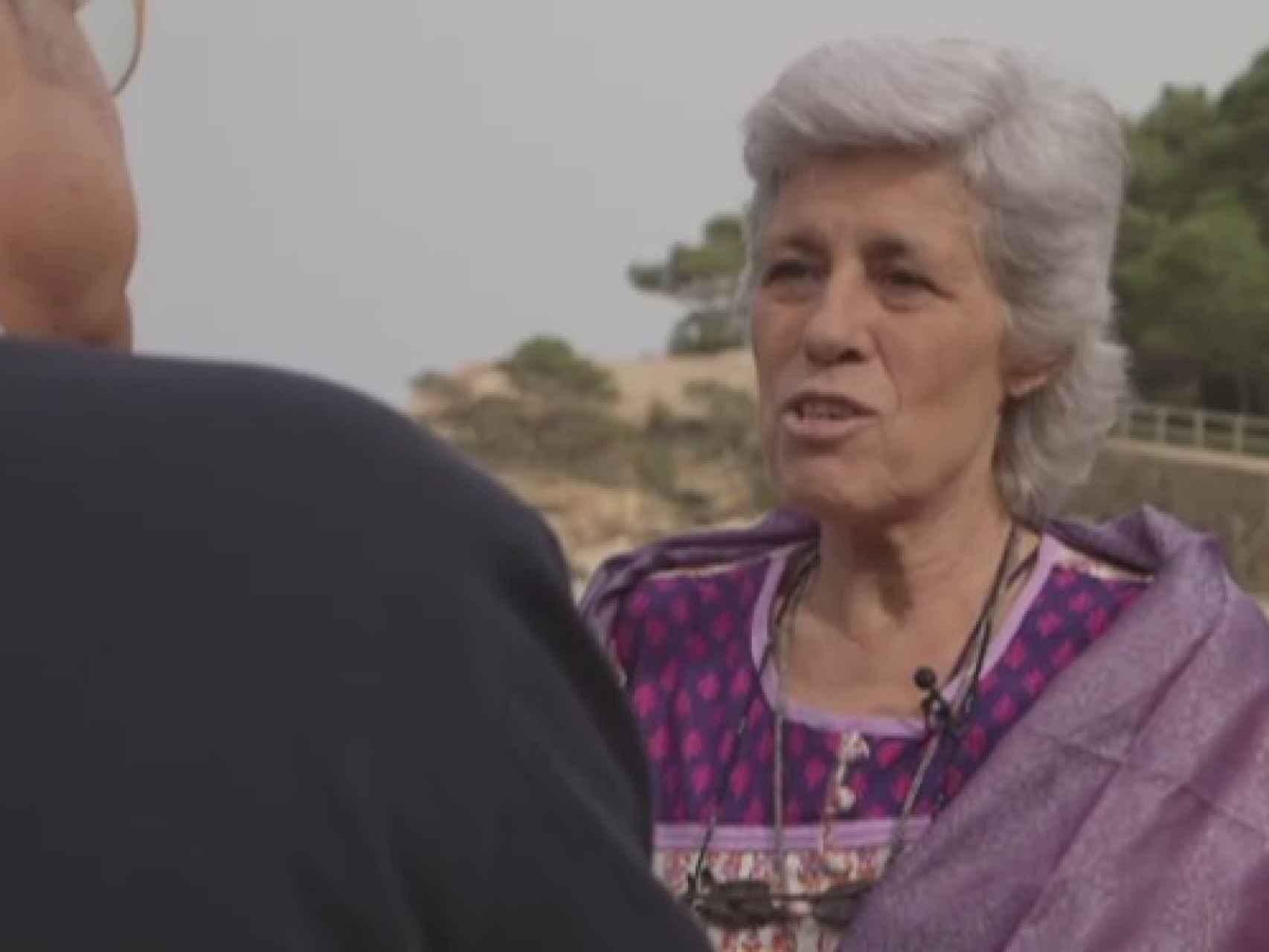 Teresa Ilari defiende que hay que beber agua de mar para curar todos los males.