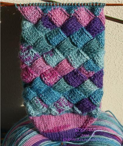 Entrelac socks toe