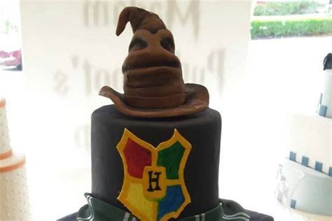Local bakery's 'Harry Potter' wedding cake goes viral