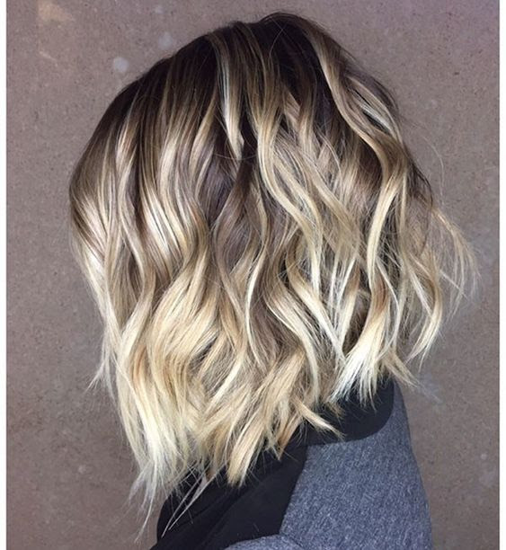 10 Stylish Short Wavy Hairstyles With Balayage Short Haircuts 2021