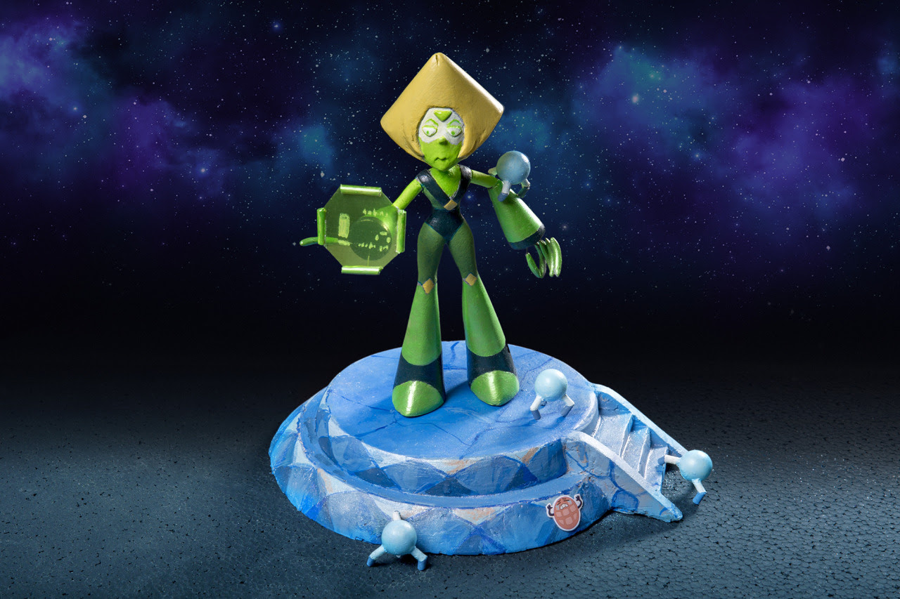 New resin figure of Peridot of Steven universe. This figure is for sale, if you are interested contact to : info@davidchapanoff.com If you want to see the next figures and pictures of the process you...
