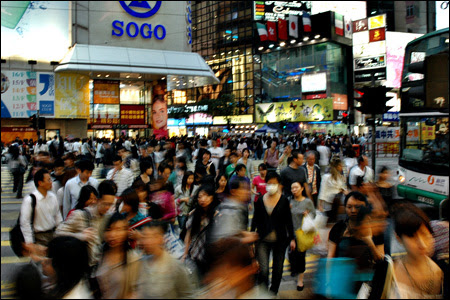 Flickr: 'Crowded in Causeway Bay' by River of Light