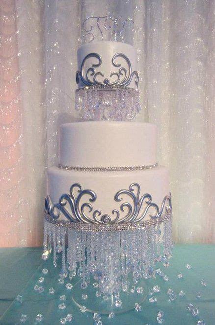 25  best ideas about Chandelier cake on Pinterest