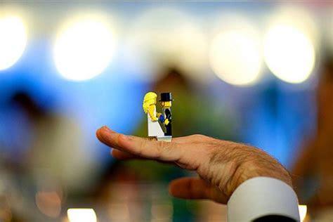 Building a Castle on the LEGO Wedding Ring   Gadgetsin