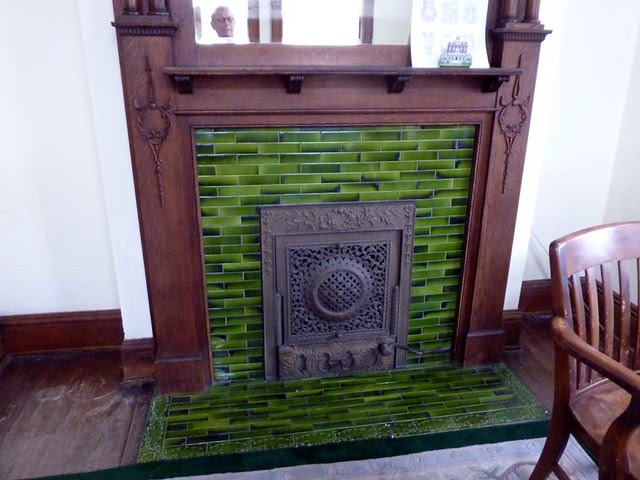 P1080179-2011-03-05-Rhodes-Hall-Phoenix-Flies-Green-Tile-Fireplace