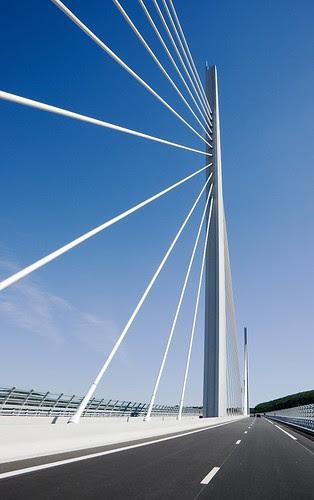 Image Viaduct Millau, Copyright © Tony Davies