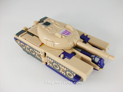 Transformers Blitzwing G1 - modo tanque