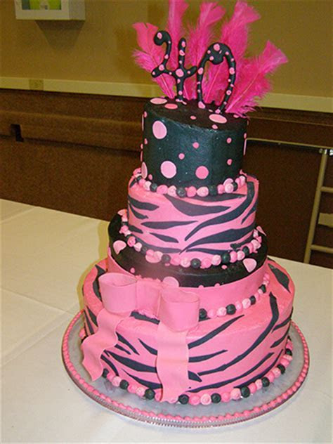 Novelty Cakes   Lisa Becker's Bakery   Custom Cakes and
