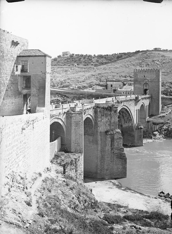 Puente de San Martín en los años 20. Fotografía de Otto Wünderlich. © Fototeca del Patrimonio Histórico