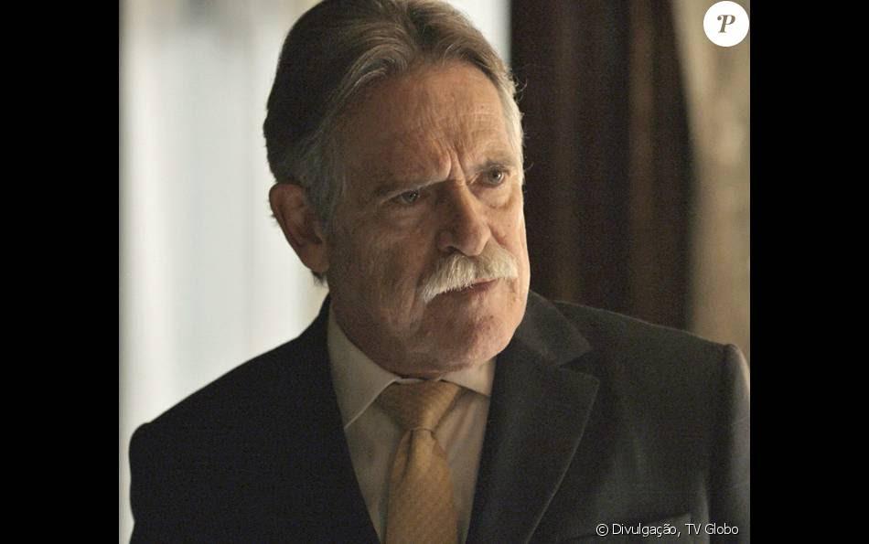 A identidade do assassino de Gibson (José de Abreu) será revelada no final da novela 'A Regra do Jogo', que termina em 11 de março de 2016