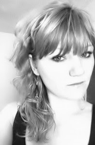 AuthorPic-RoxanneSmith