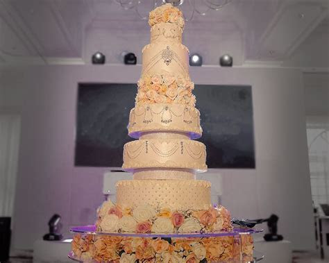 Wedding Cakes For Asian Wedding & Corporate Event   The