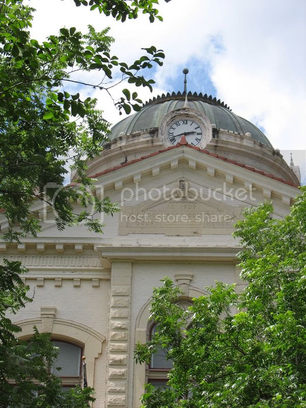 columbus county courhouse front clock