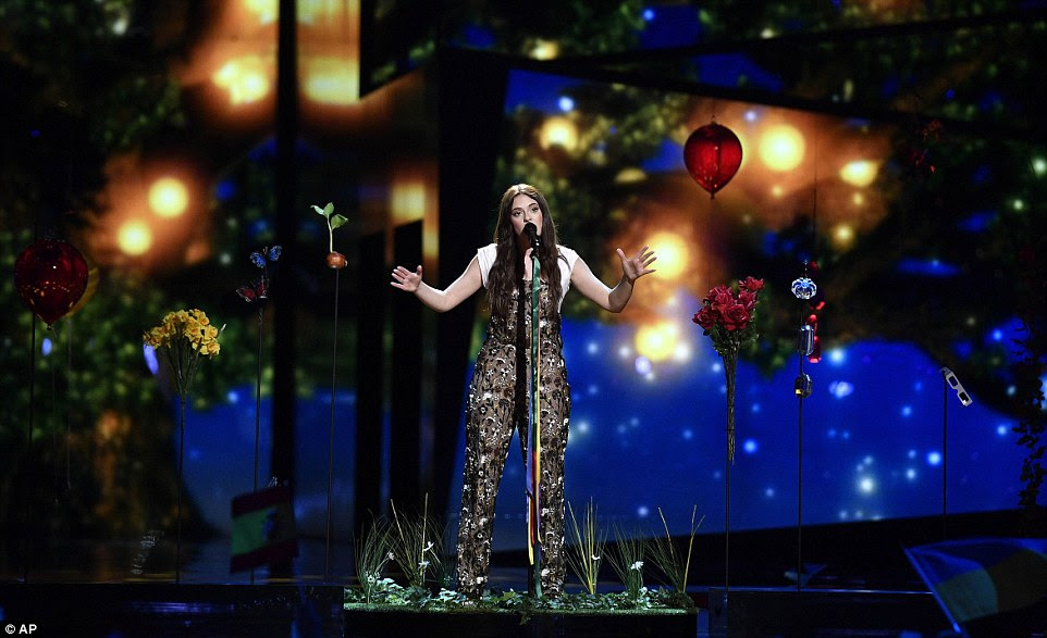 Italy's Francesca Michielin performed the song No Degree Of Separation against an other-worldly setting that left viewers in awe