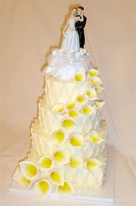 Calla Lily Lattice Wedding Cake