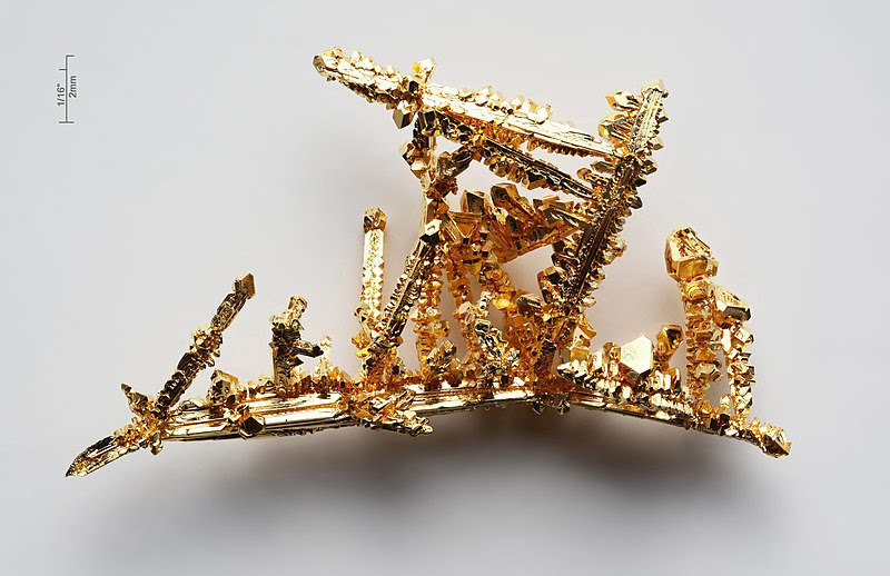 File:Gold-crystals.jpg