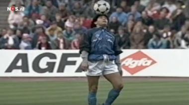 Há 30 anos, Maradona nos presenteava com o aquecimento mais mágico da história