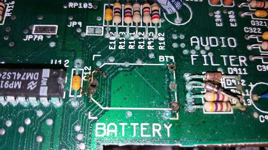 Amiga 500 Plus con daños por sulfato (5)