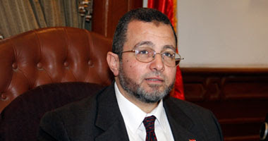 الدكتور هشام قنديل وزير الموارد المائية والرى