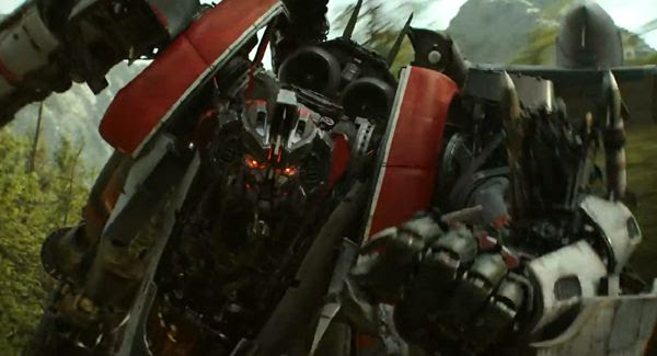Disguised as an F-4 Phantom in this film, Starscream is back in BUMBLEBEE.