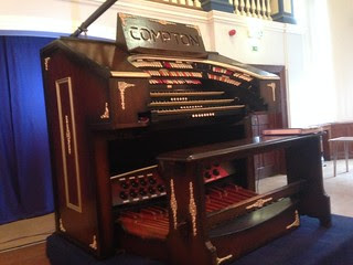Compton theatre organ
