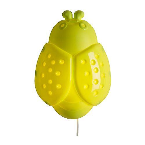 SMILA BAGGE Applique IKEA Diffuse une lumière d'ambiance douce.