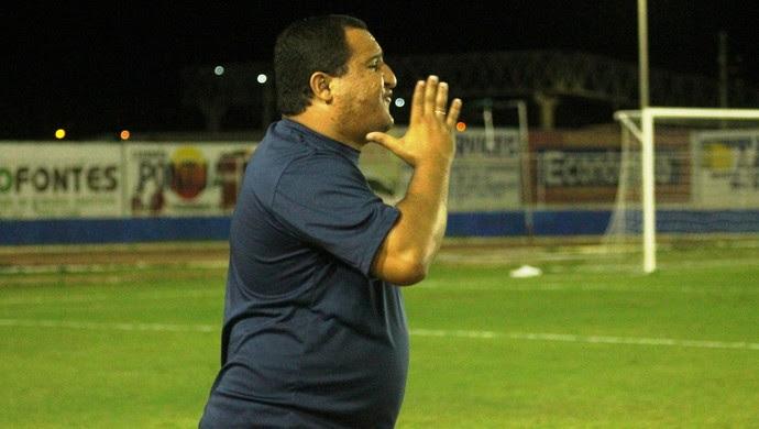 Higor César - técnico do Globo FC (Foto: Canindé Pereira/Divulgação)
