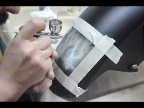 VIDEOS POST: AIRBRUSHING WHITE FIRE NUMBERS ON YAMAHA FZ1