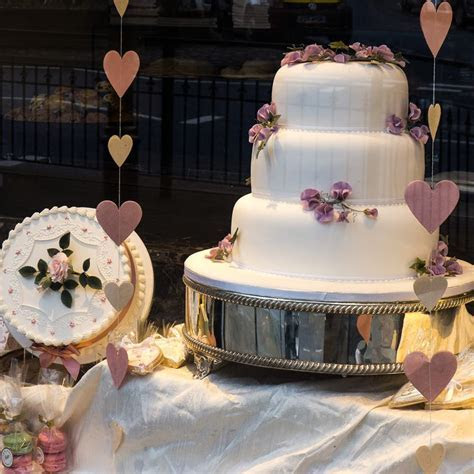 Read Dine?s guide to wedding cake makers in and around York