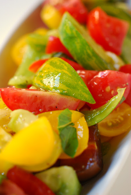 mixed tomato salad