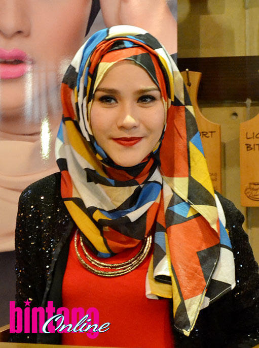 Hijab Tutorial Zaskia Adya Mecca 2013 - Hijab Top Tips