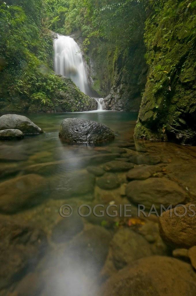 Ilocos Norte - Anuplig Falls Dramatic Rocks