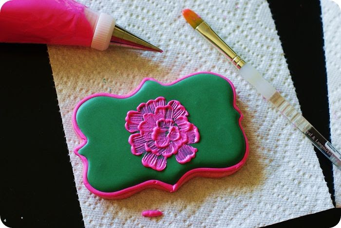 bright pink cookies for fall, tutorial ::: bake at 350 blog