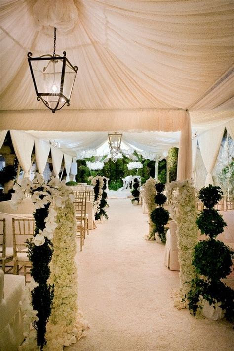 15 Gorgeous Aisles to Inspire   http://thebridaldetective