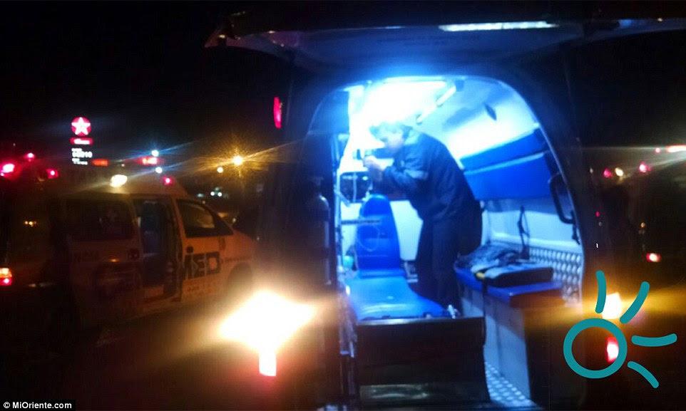 As equipes de resgate enfrentaram condições difíceis e teve de suspender a sua operação quando a chuva pesada começou a cair