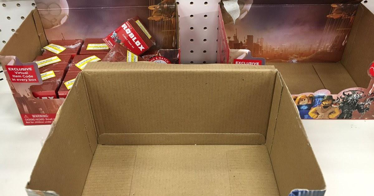 Imagenes De Camisas Para Roblox Jerome Plays Roblox Flee Roblox Cardboard Box