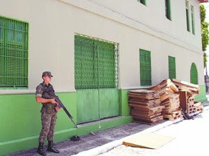 Exército Brasileiro vigia provas do Enem na Paraíba (Foto: Francisco França/Jornal da Paraíba)