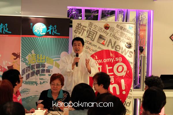 Chef Ma Wei presenting a Chinese Opera