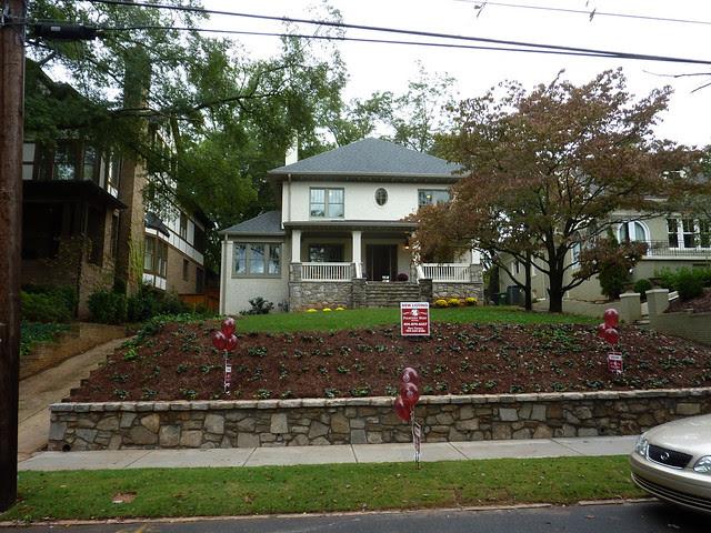 P1120569-2012-10-02-1330-Lanier-Boulevard-Poptop-complete-full