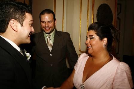 Fabiana Karla também foi cumprimentar o novo casal
