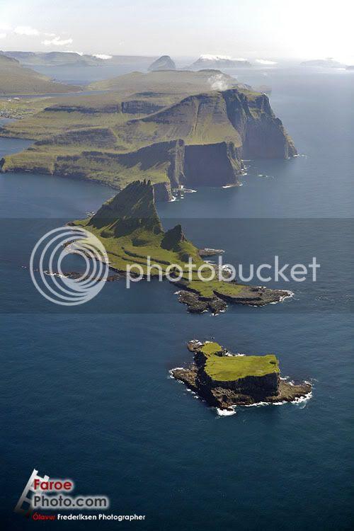 Faroe Islands, Tindhólmur