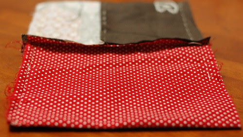 How to make a button pouch with two pockets 13