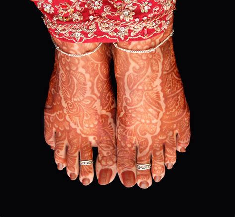 The Right Way to Wear a Toe Ring and its Cultural Significance