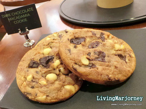 DARK CHOCOLATE MACADAMIA COOKIE, by LivingMarjorney