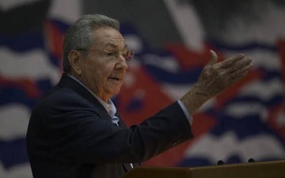El General de Ejército Raúl Castro Ruz clausura el VII Congreso. Foto: Isnael Francisco/ Cubadebate